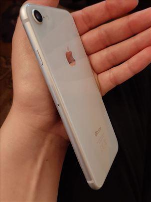 iPhone 8 silver menjam za S10 😊