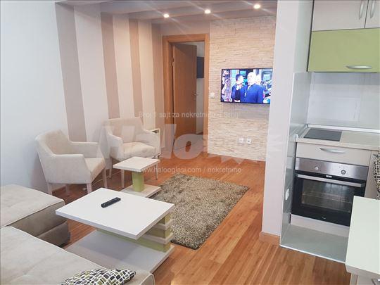 Prodajem opremljen apartman,Zlatiborski Konaci