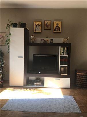 Regal za tv