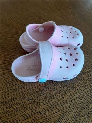Roze papučice/sandalice broj 23