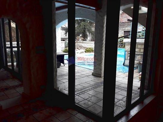 Dedinje, lux ograđena višesobna, bazen, garaža