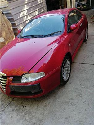 Alfa Romeo GT levo krilo