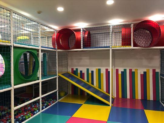 Oprema za dečiju igraonicu, nova, korišćena 1 god.