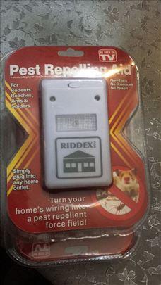 Rasterivaci miševa bubašvaba, komaraca, mrava