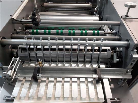 Mašina za složivi program ubrusa i toaleta u listu
