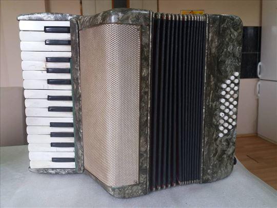 Klavirna harmonika 32 basa, 2 OKTAVE, za početnike
