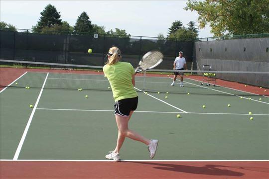 Časovi tenisa za početnike 1500 2h ili 1000 1h