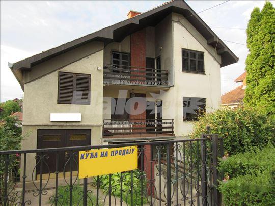 Veoma povoljna prodaja - Kuća 250 m2
