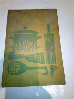 Knjiga Nova velika kuharica iz 1968