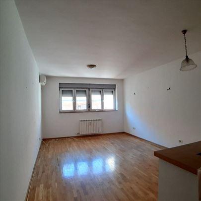 Vračar, novogradnja kod Krunske, p.p. 80 m2, 3.0
