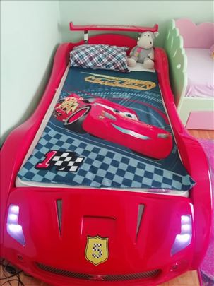Dečiji krevet automobil