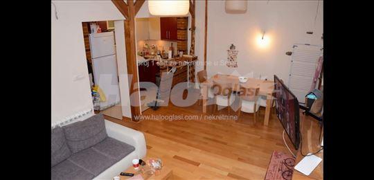 Stan U Dalmatinskoj sa terasom od 130 kvadrata