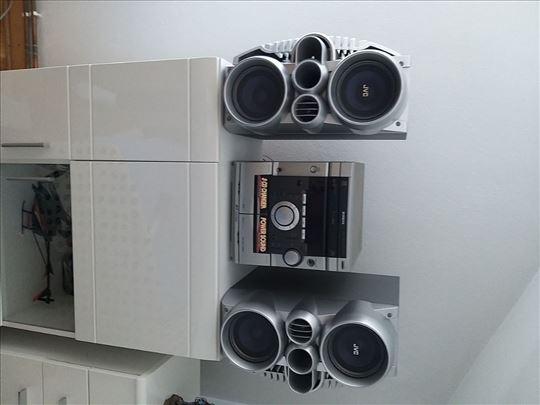 Samsung muzička linija sa JVC zvučnicima