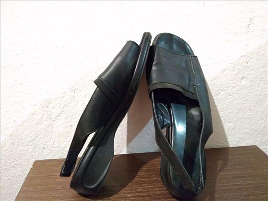 Crne sandale br. 38