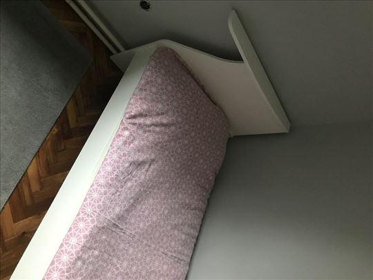 Na prodaju dečji krevet sa dušekom