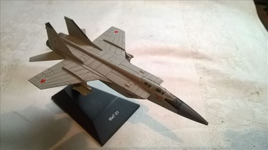 Avion Mig 31, USSR,oko 1:144,  t.j. 14 cm.