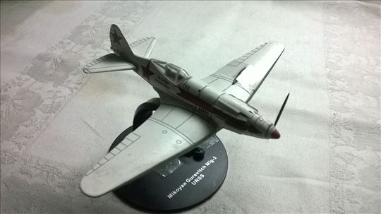 Avion Mikoyan Gurevitch Mig-3,1:72,USSR, fali 1 el