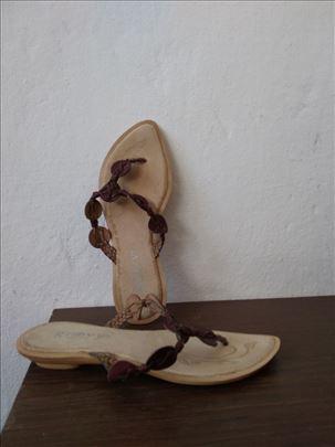Ženske kožne papuče br. 38