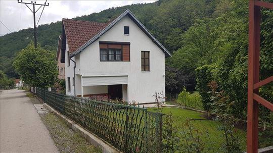 Kuća u naselju Lipova