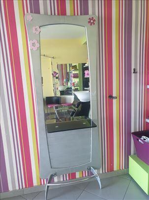 Frizerska ogledalo