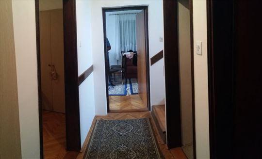 Smederevo kuća 119kv+garaža 90 kv 6 ari placa