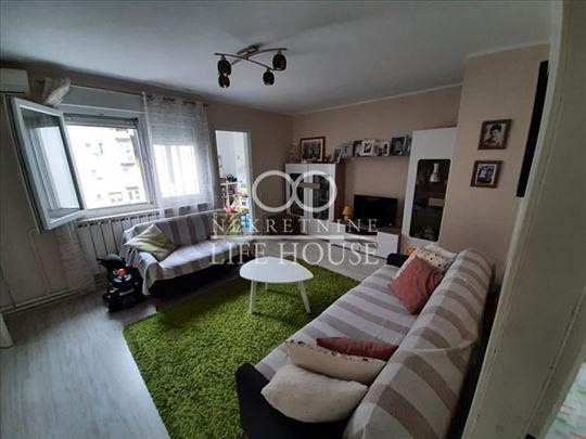 Trosoban stan kod Kalenića ID#1200