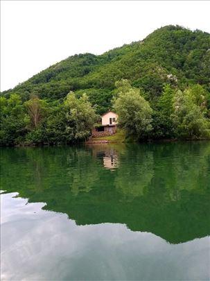 Vikendica na Zvorničkom jezeru