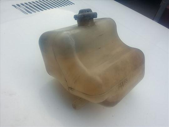 Posuda viska rashladne tečnosti Lada 21214i Niva