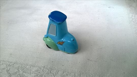 Disney Pixar igracka 3,5 cm.metalni,malo izgreban.