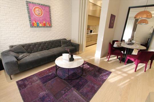LUX, moderan 2.0 stan, garaža! ID 7905