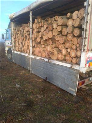 Drva za ogrev isečena i iscepana
