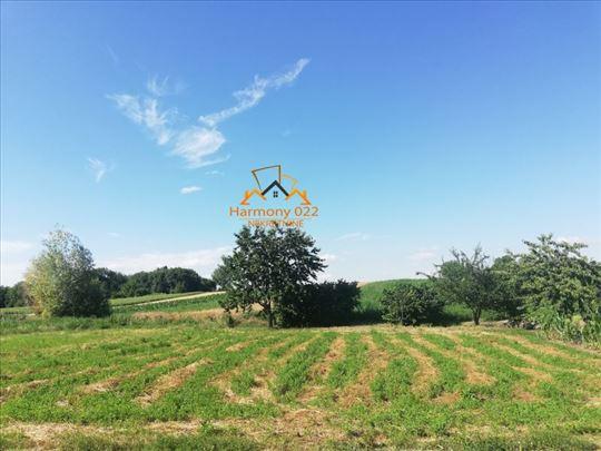 Građevinsko zemljište 1293m2+poljoprivredno 1601m2