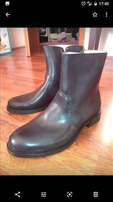 Čizme broj 44 kožne nove