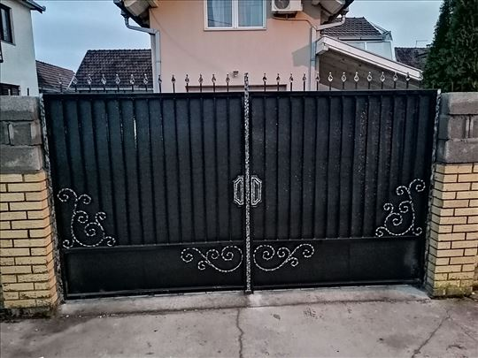 Kapije ograde stalci industrijski nameštaj