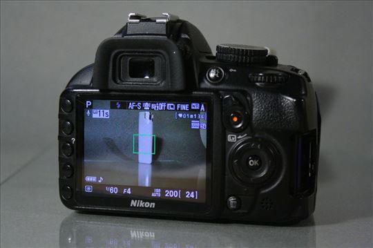 Nikon D3100 delovi (ispravni)