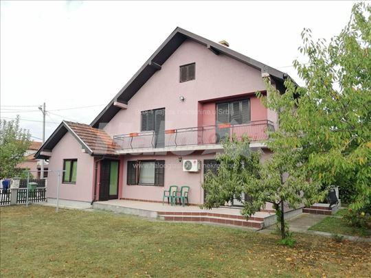 Kuća 235 m2, plac 5 ari, 65.000 €, 064 138 57 25