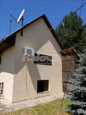 Vikendica u blizini Dunava kod Apatina 063 291 902