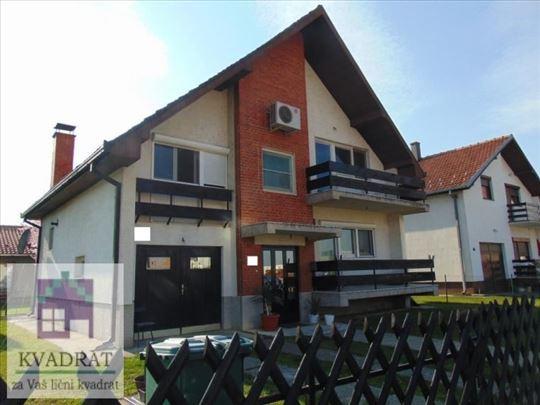 Dve kuće 180 m² i 117 m², 5,24 ari, Ub - 135 000 €