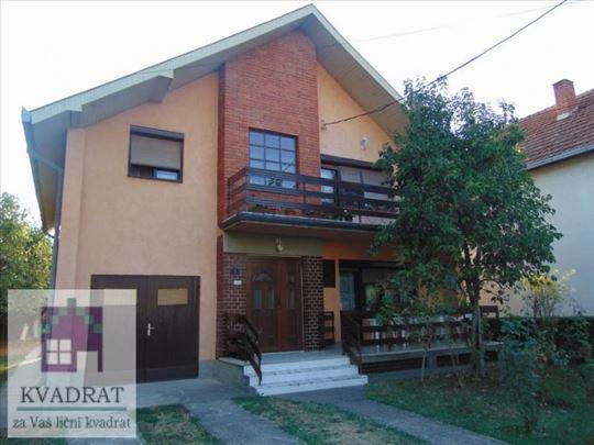 Kuća 200 m², 6,23 ari, Ub  - 73 000 € (POLUNAMEŠTE