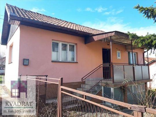 Kuća 50 m² i pomoćna kuća 45 m², 4,81 ar, Ub - 45