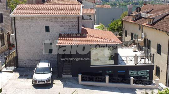 Kuca Kotor,renovirana kamena kuca,20m od mora