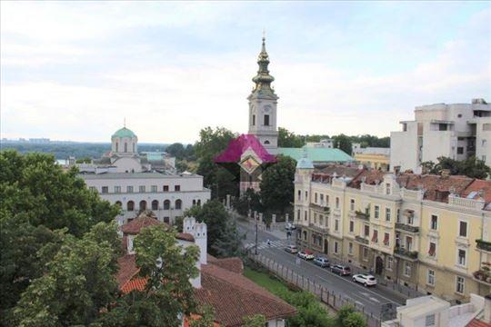 Izuzetna lokacija, Kosančićev Venac, stan sa predi