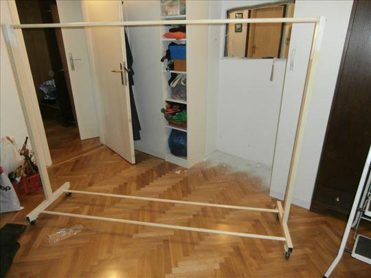 Štender za kačenje garderobe br.1