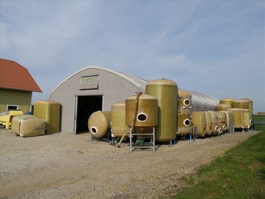 Burad cisterna bačva vino voće traktor preša