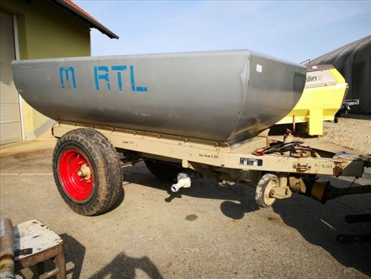 Prikolica traktor kombajn grožđe voće preša Chemo