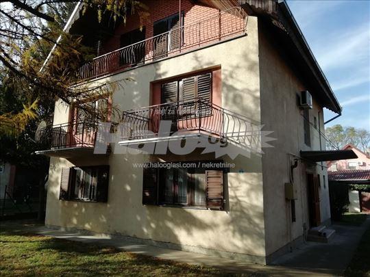 Prodajem kuću u Alibunaru 182m2 na 5.ari placa