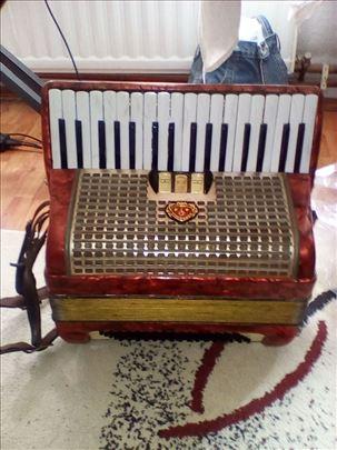 Harmonika Melodija Manon