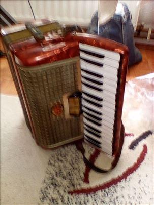 stara harmonika melodija