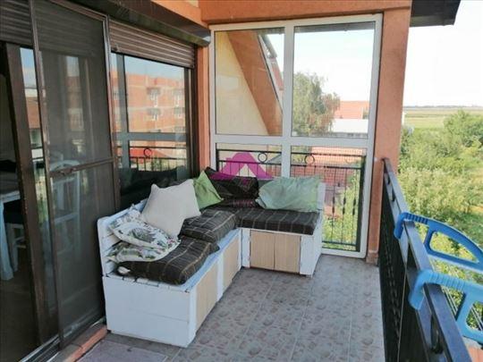 Ledine, stan u kući, 120m2, terasa, dvorište, park