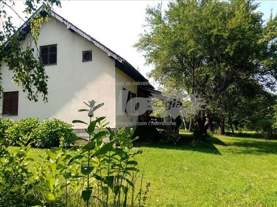 Prodajem kucu u naselju Stulac, Vrnjacka Banja